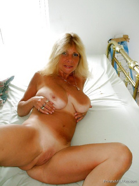 Jamaican girlfriend fine nipples