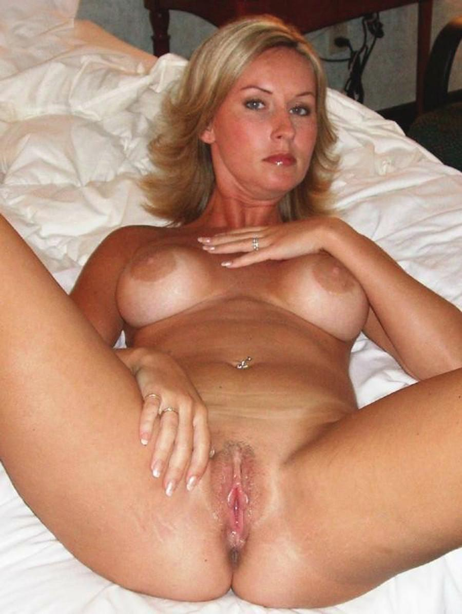 Wives hot pussy