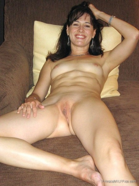 totally nude wife