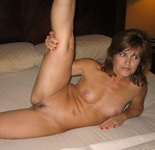 Nude pregnant pussy self shot