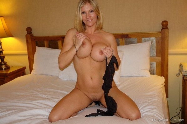 Amateur blonde horny