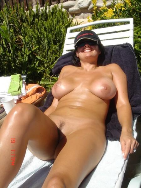 mom tanning naked