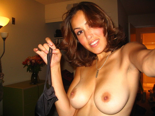 sexy amateur topless moms